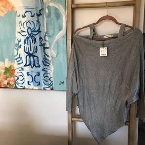 🔶NWT Zara Knit asymmetrical grey blouse